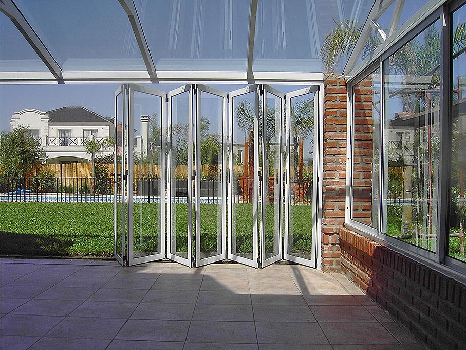 Puertas plegadizas batlo carpinteria de aluminio - Puertas para cerramientos ...